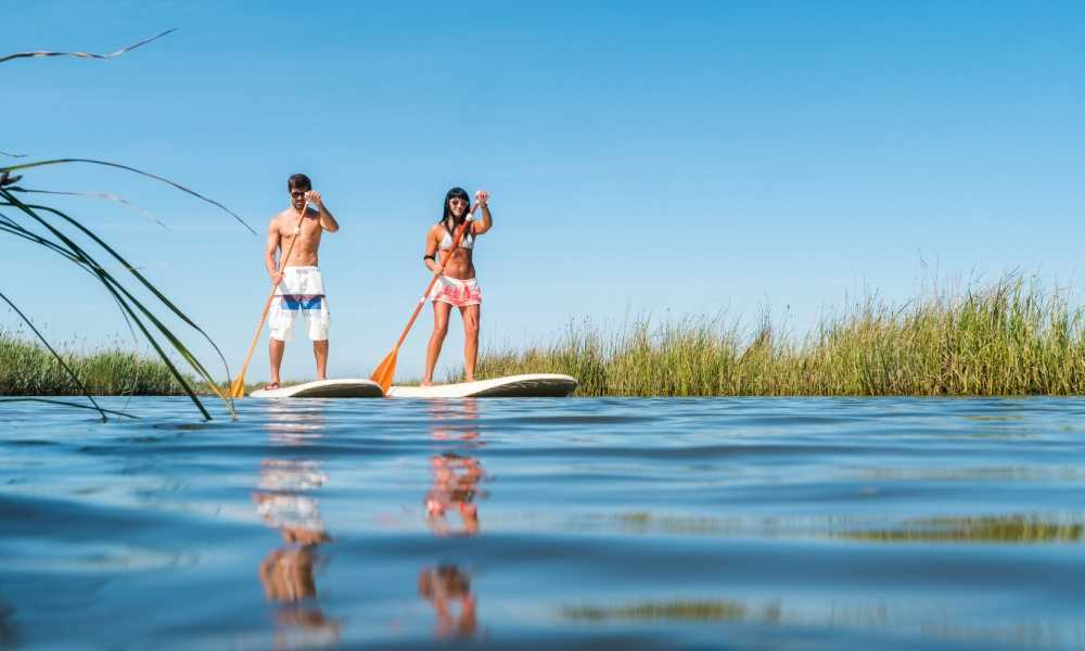 How to Do Standup Paddleboarding Safely